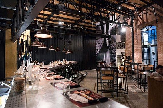 Gran-Galpon-estacion-de-cocteles-gastronomia-experiencia-gran-galpon-city-bell